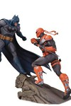 Batman vs Deathstroke - Battle Statue